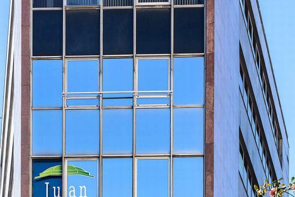 rotulación de ventanas de edificio con vinilo bilbao